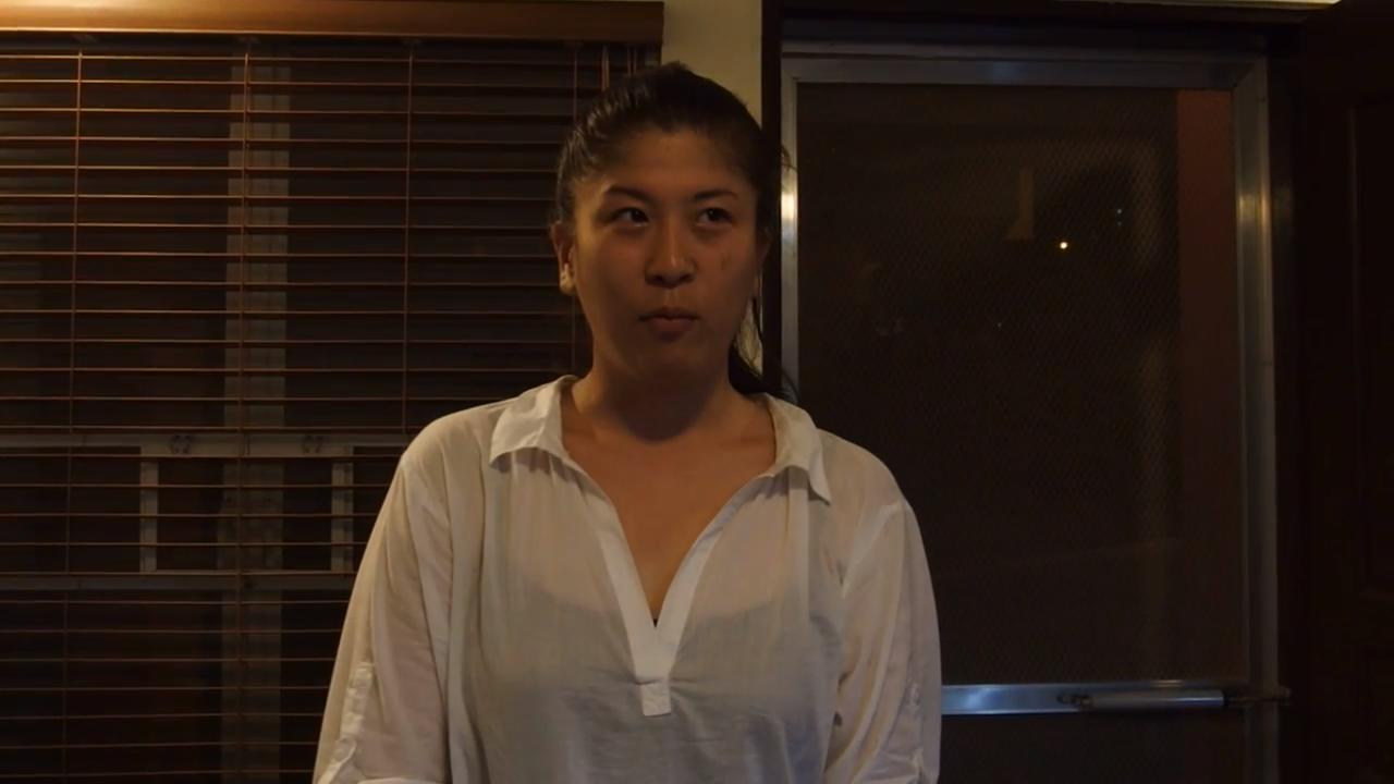 フィリピン留学初日に英語の自己紹介してる映像