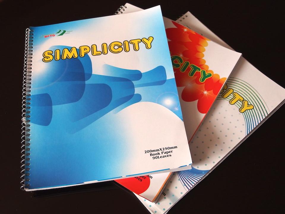 フィリピンで買った英語用ノートはデザインがダサい