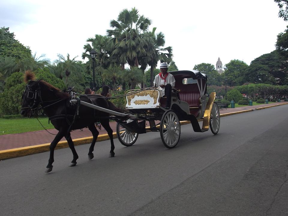 サンチャゴ要塞内は馬車で移動もできる