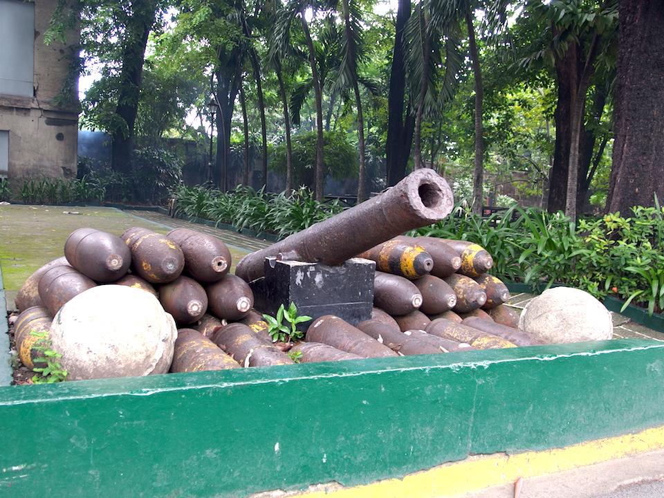 サンチャゴ要塞には大砲が残っている